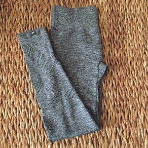 Marika leggings. Heathered black/white fabric. M